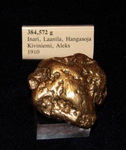 Aleks Kiviniemen kultahippu (jäljennös) 385 g, hippulistan toiseksi suurin